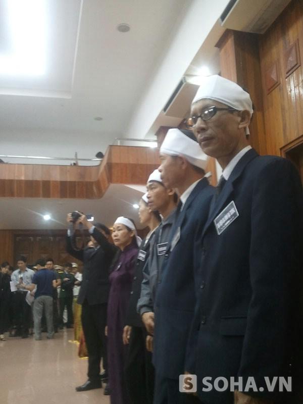 Gia đình Đại tướng bày tỏ niềm xúc động, cảm ơn tấm lòng của các đoàn đến viếng