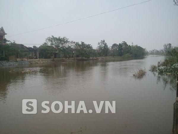 Dòng sông Kiến Giang, một trong những nơi gắn liền với tuổi thơ của Đại tướng Võ Nguyên Giáp.