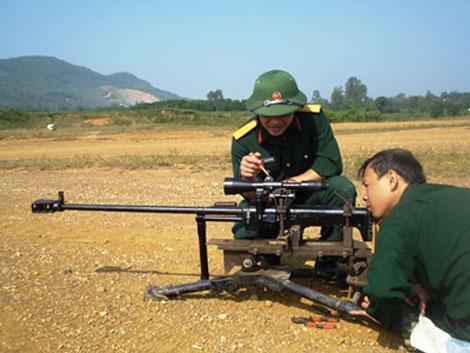 Thử nghiệm súng bắn tỉa cỡ 12,7mm và kính ngắm N12 do Việt Nam tự sản xuất.