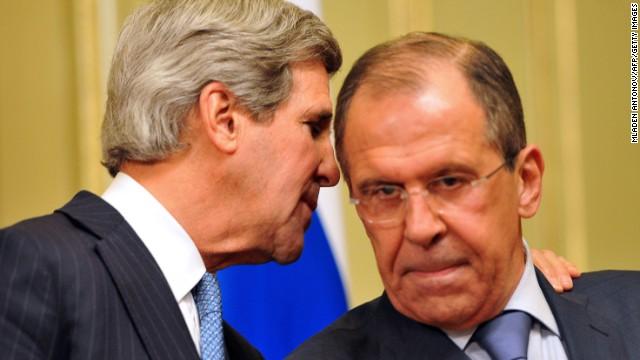 Ngoại trưởng Mỹ John Kerry (trái) và người đồng cấp Sergei Lavrov trong cuộc gặp tại Moscow ngày 7/5/2013.
