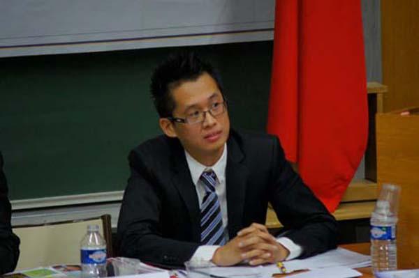 Tiến sĩ Tạ Minh Trí, Chủ tịch Hội Sinh viên Việt Nam tại Pháp
