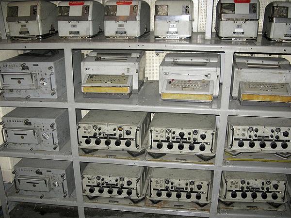 Một góc trong phòng chứa các thiết bị và thông tin do thám được về Triều Tiên.