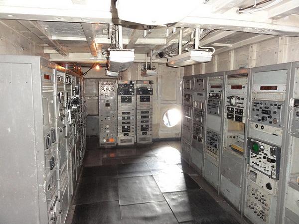 Phòng điện trên tàu.