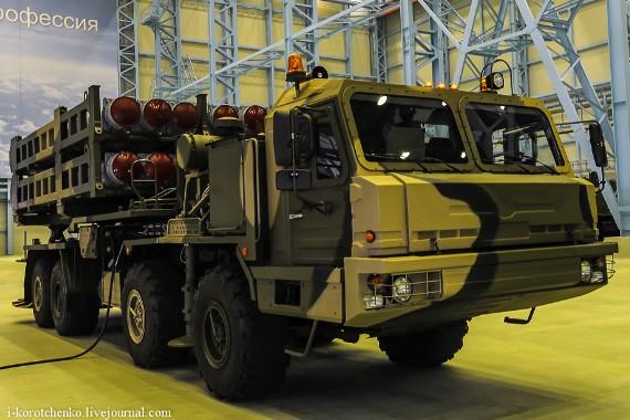 Hệ thống tên lửa Vityaz có thể bắn được nhiều loại tên lửa trong đó có 9M96E (tầm bắn 120km) và 9M100 (tầm bắn 15 km).
