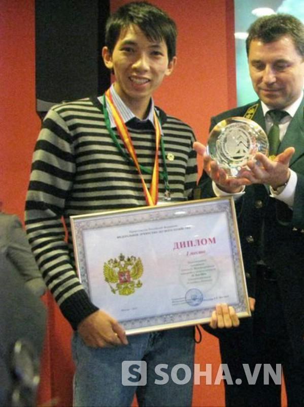 Lê Thái Sơn - chàng trai tài năng giành được nhiều thành tích trong nghiên cứu khoa học ngay khi còn là sinh viên.