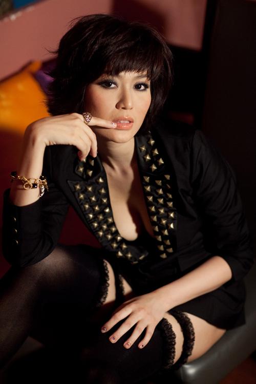 Hoa hậu Thu Thủy: 'Không ai mài nhan sắc ra để sống được'
