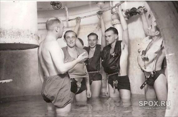 Thủy thủ trong chiến tranh thế giới cũng phải trải qua những bài huấn luyện khắc nghiệt.