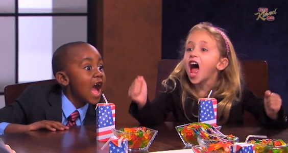 Hai đứa trẻ Mỹ tham gia show truyền hình Jimmy Kimmel Live! ngày 16/10 của đài ABC.