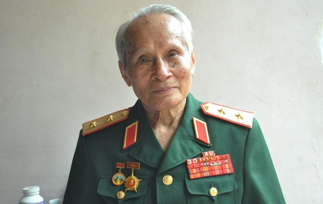 Trung tướng Nguyễn Quốc Thước - nguyên Tư lệnh Quân khu 4 (Ảnh: Tuấn Nam)