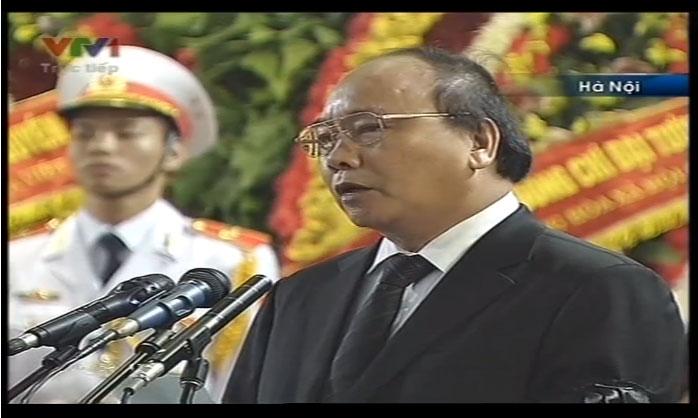 Trưởng Ban tang lễ Thủ tướng Nguyễn Xuân Phúc lên tuyên bố bắt đầu Lễ Truy điệu Đại tướng Võ Nguyên Giáp