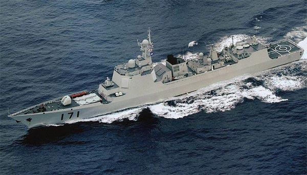Type-052C thế hệ tàu khu trục đầu tiên của Trung Quốc có khả năng đảm đương phòng không cấp hạm đội được giao ngay cho hạm đội Nam Hải.