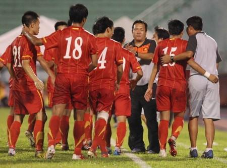 HLV Hoàng Văn Phúc đã quyết định từ chức ngay sau thất bại của U23 Việt Nam tại vòng bảng bóng đá nam SEA Games 27