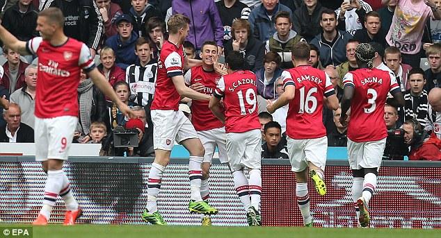 Arsenal sẽ đá 2 trận đi và về play-off để vào vòng bảng Champions League