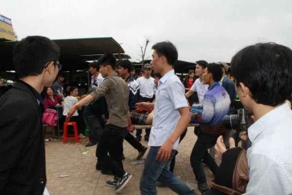 Hương Tích, Can Lộc, án mạng, chặt chém, lễ hội, du khách