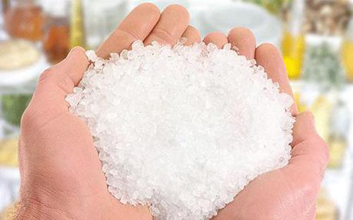 2 tác hại nghiêm trọng chưa từng biết đến của muối 1