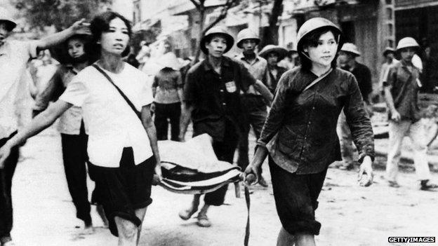 Sau một trận đánh bom của Mỹ năm 1972 nhằm vào Hà Nội.