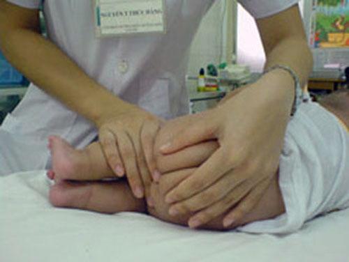 Tác dụng phụ nguy hiểm của thuốc hạ sốt nhét hậu môn 1