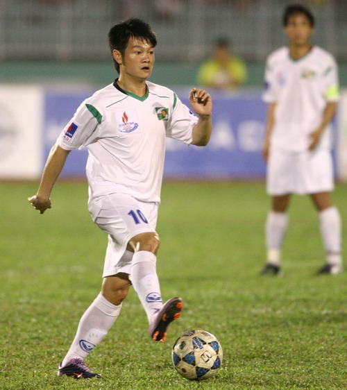 Xem Văn Quyến thi đấu vẫn là cái thú của nhiều NHM bóng đá Việt