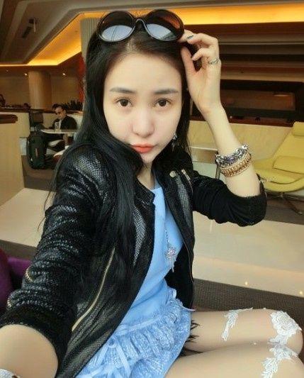 Hot girl tai tiếng Trung Quốc khoe ảnh sexy bên bãi biển 14