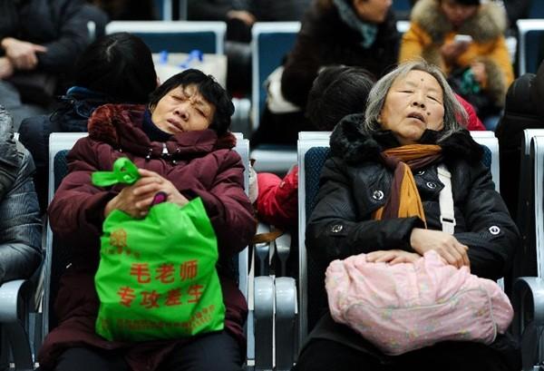 Biển người Trung Quốc vật vã về quê ăn Tết 13