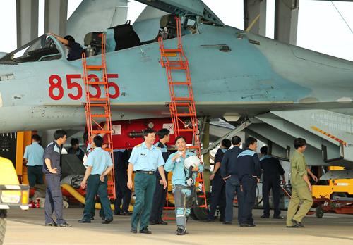 Sau mỗi chuyến bay lại thêm một bài học kinh nghiệm được tích lũy với các phi công