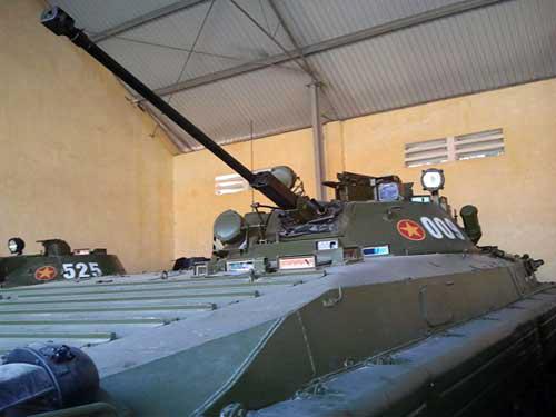 Pháo bán tự động 73mm 2A38 trên BMP-1 đã được thay thế bằng pháo tự động 30mm 2A42