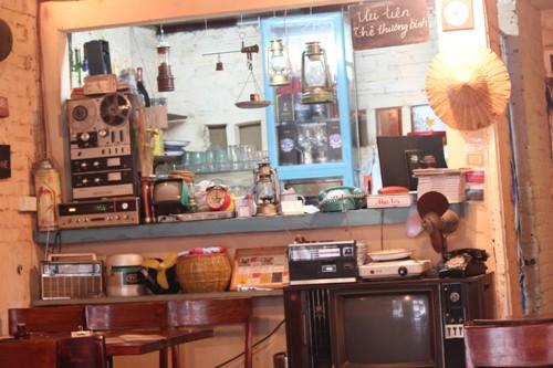 Độc đáo quán ăn bao cấp giữa Thủ đô - Ảnh 2