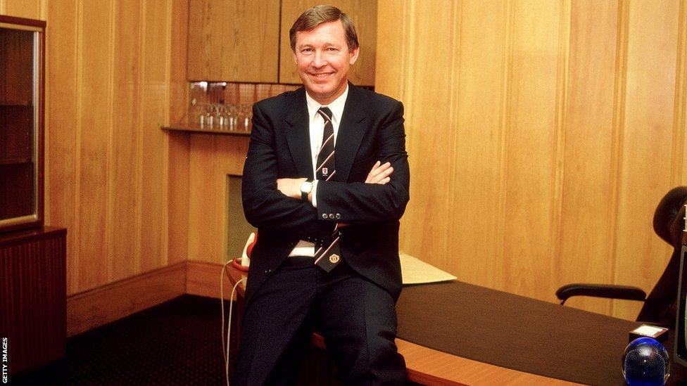Sir Alex Ferguson hồi mới về Man United cũng phải mất khá lâu để có danh hiệu