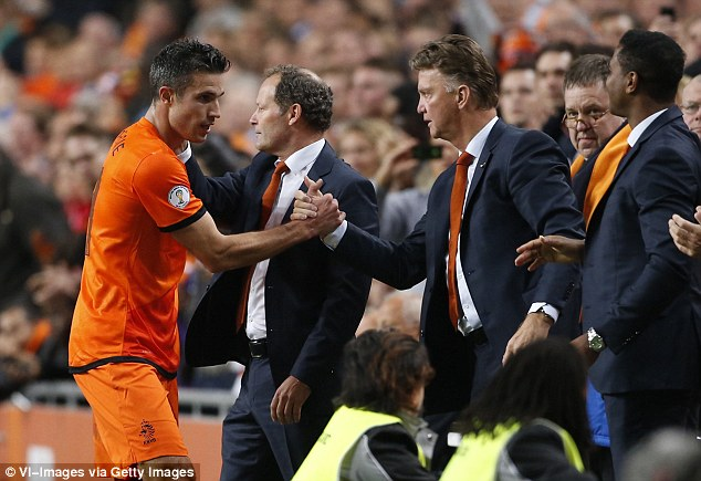 Van Persie là học trò cưng của Van Gaal ở tuyển Hà Lan