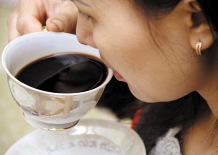 Uống cà phê + Thức khuya: Gây hại khôn lường cho phụ nữ 2