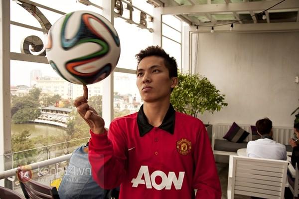 VĐV tâng bóng nghệ thuật số 1 Việt Nam ăn tối với sao Manchester United 2