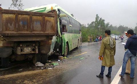 xe khách, tai nạn, Thừa Thiên Huế, xe tải