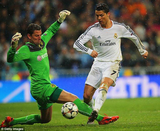 Cris Ronaldo đá bao sân và xứng đáng có bàn thắng