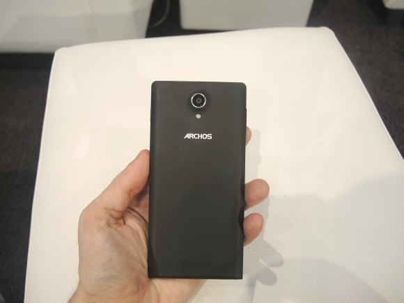 Trên tay ba điện thoại Archos mới