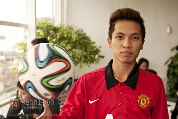 VĐV tâng bóng nghệ thuật số 1 Việt Nam ăn tối với sao Manchester United 4