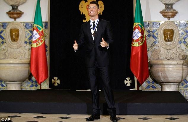Cris Ronaldo vô cùng phấn khích khi được lựa chọn cho vào hội Order of Prince Henry