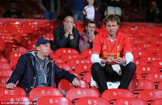 NÓNG: Ligue 1 chính thức bị hủy, fan Liverpool ngồi trên đóng lửa