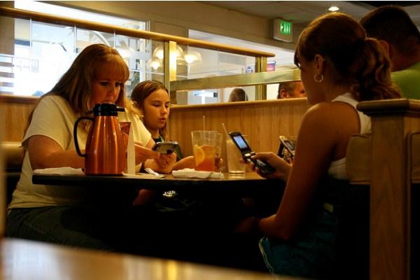 lịch sự tối thiểu smartphone tablet công nghệ di động