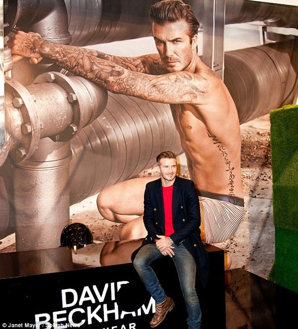 Beckham diện quần áo bảnh bao đi xem bóng rổ 7