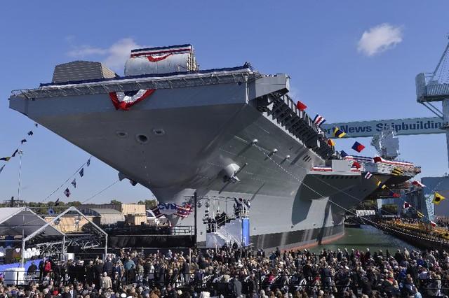 Tàu sân bay USS Gerald R. Ford (CVN 78) của Mỹ trong buổi lễ rửa tội tháng 11/2013