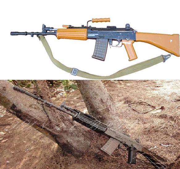 Phía dưới nòng súng có thể gắn ống phóng lựu hoặc lưỡi lê thiết kế riêng cho INSAS nhưng cũng có thể gắn vào các khẩu AK-47 được sử dụng bởi các lực lượng bán quân sự.