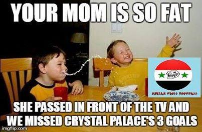 Mẹ cậu béo quá, bà ấy đi ngang cái tivi mà chúng ta lỡ luôn 3 bàn thắng của Crystal Palace vào lưới Liverpool