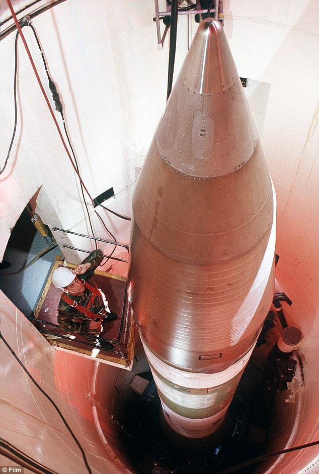 Tên lửa liên lục địa Minuteman III là một thành tố quan trọng trong bộ ba hạt nhân của Mỹ.