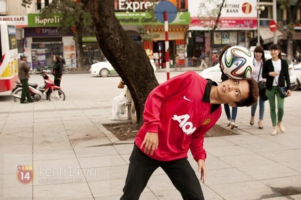 VĐV tâng bóng nghệ thuật số 1 Việt Nam ăn tối với sao Manchester United 8