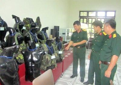 Các mẫu áo mang trang bị của xưởng  X260 sản xuất.