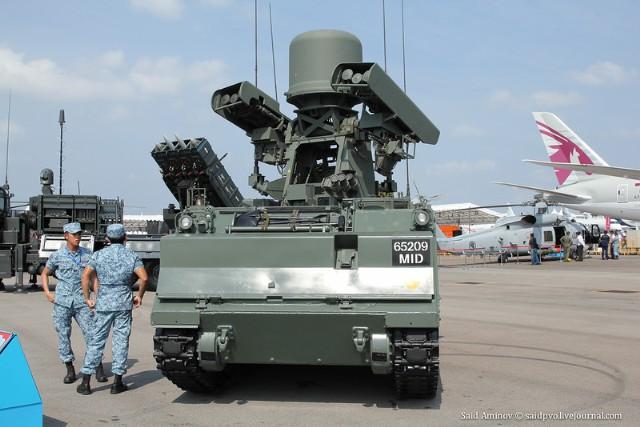 Theo ARMS-TASS, thành công lớn nhất của Nga trên thị trường vũ khí tại Singapore là hợp đồng cung cấp 440 MANPADS Igla cho quân đội nước này được ký kết vào năm 1997.