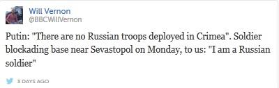 Putin nói: Không có binh sĩ Nga nào được triển khai tới Crimea. Nhưng hôm thứ Hai, một binh sĩ bao đang bao vây căn cứ gần Sevastopol nói với chúng tôi: Tôi là một binh sĩ Nga