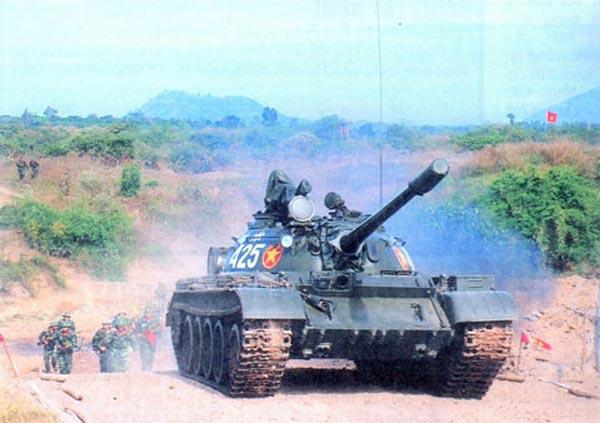 Hơn 50 năm chính chiến, T-54/55 đã quá già cỗi. Mặt khác nó không được thiết kế để đối phó với xe tăng chiến đấu chủ lực hiện đại.