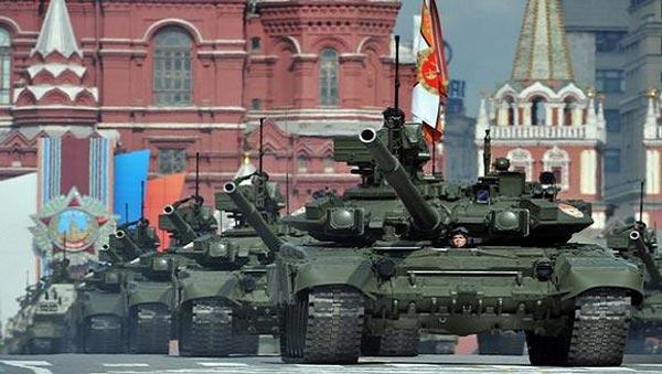 T-90 là dòng xe tăng chiến đấu chủ lực thế hệ 3 và cũng là xe tăng hiện đại nhất trong kho vũ khí của lục quân Nga.