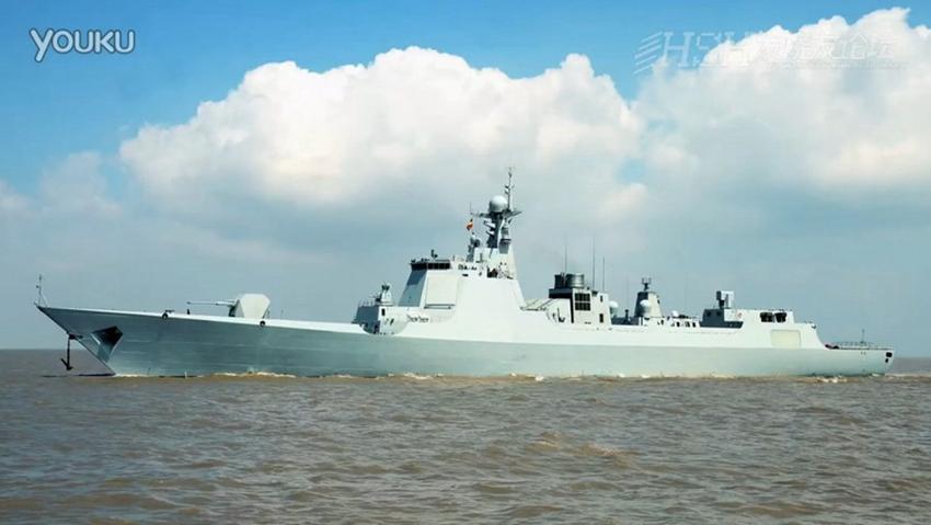 Type 052D được nâng cấp từ tàu khu trục Type 052C với hệ thống radar, vũ khí hiện đại hơn.